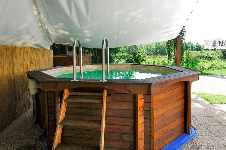 soccer arena gladbeck sauna pool wellness. Black Bedroom Furniture Sets. Home Design Ideas